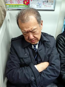 20180316 電車内で肘を当てて来る輩.jpg